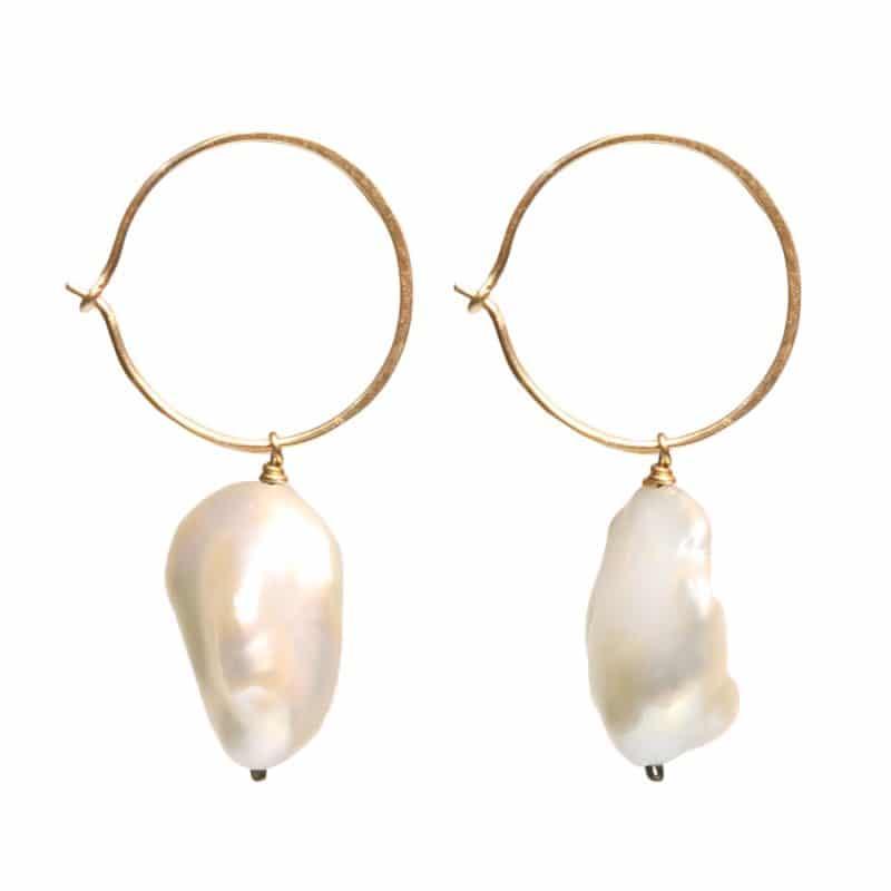 Claire van Holthe: Hoop Pearl Earrings