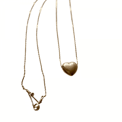 ancienne ambiance - claire van holthe gold heart necklace