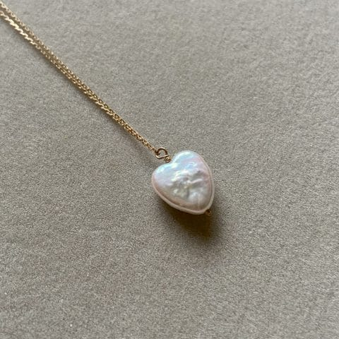 pearl heart - claire van holthe pearl heart necklace 9k gold chain - heart necklace -ancienne ambiance