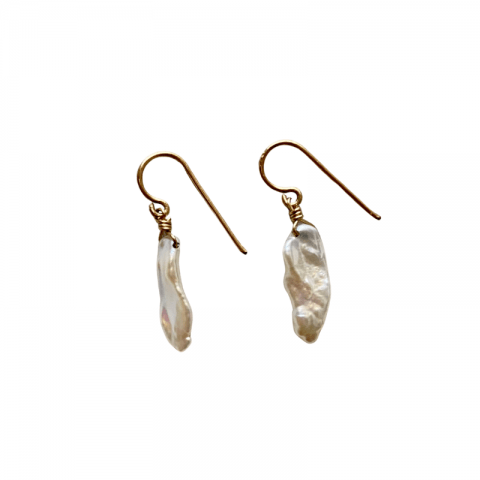 ancienne ambiance - claire van holthe small drop pearl earrings